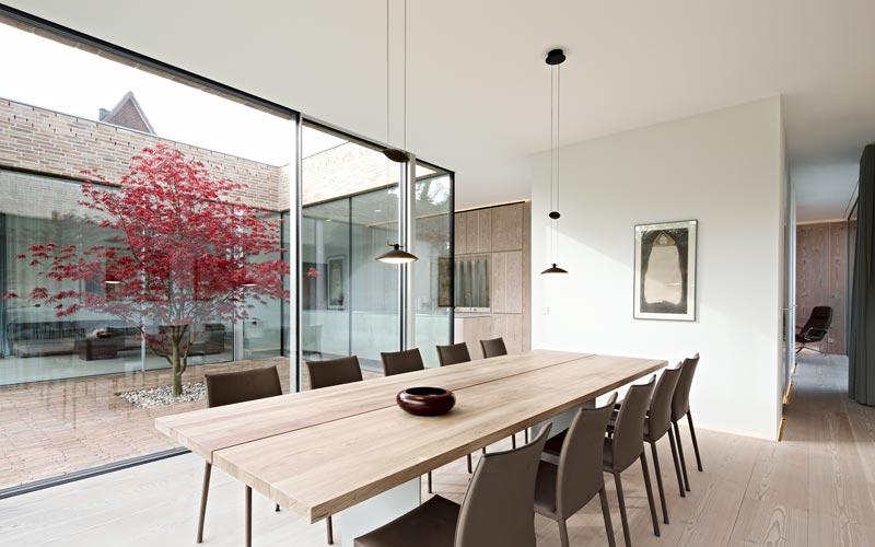 minimalism dining room