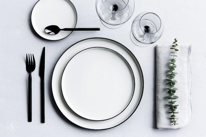 broste-copenhagen-black-cutlery-ems-designblogg-700x467