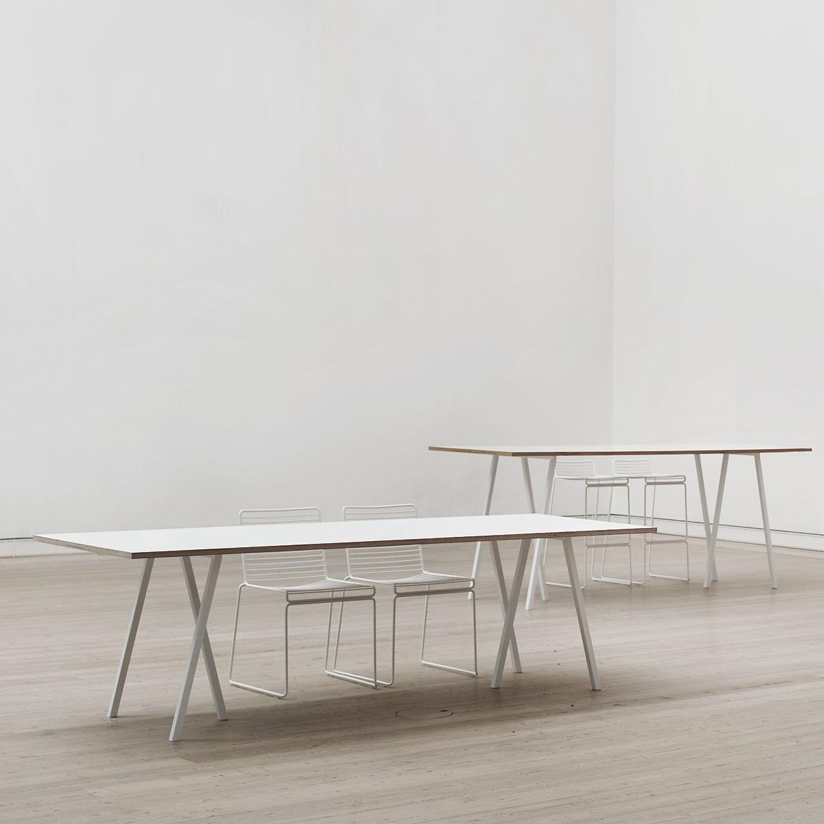 Loop-Stand-Tisch-weiss-ambiente-1200x1200